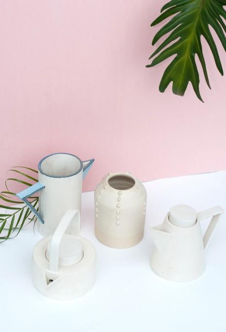 Glanzlos und friedlich. Keramik von Jacqueline Klassen.